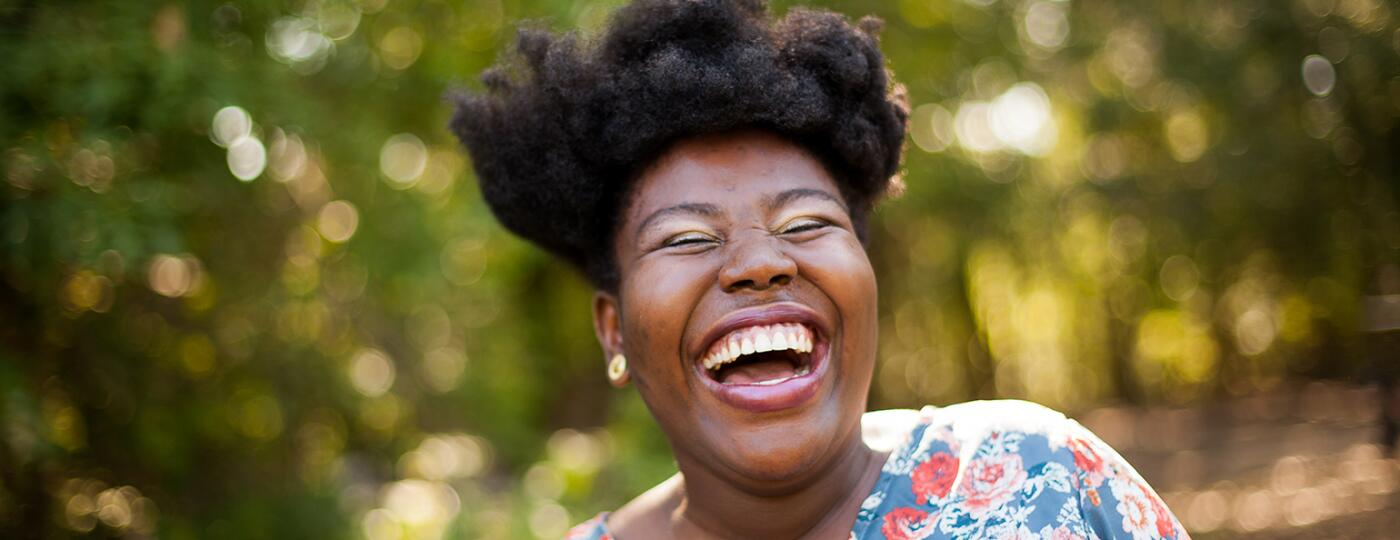 image_of_black_woman_laughing_Stocksy_txp6a7370c0UDU200_OriginalDelivery_2130121_1540