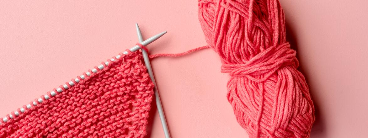 Knitting needle and yarn