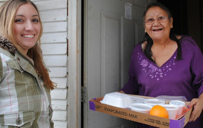 Meals_on_Wheels_delivery