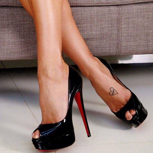 High heeled shoes, Laboutins