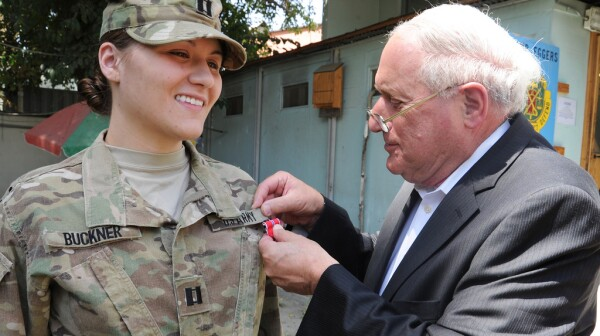 Sen. Levin awards the Bronze Star to Cpt. Kelly Buckner of Saginaw.