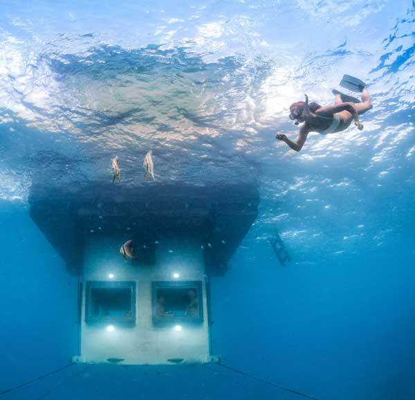 Underwater-room-crystal-clarity