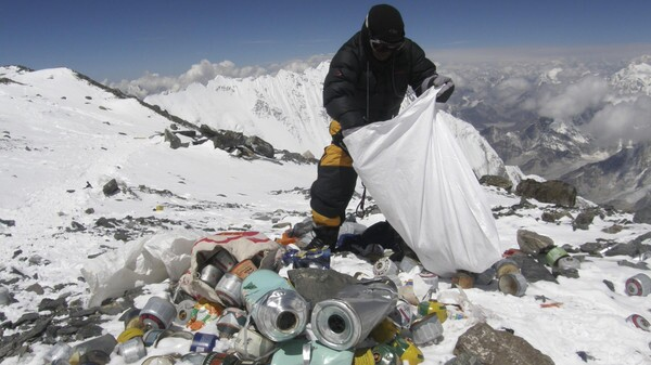 NEPAL-ENVIRONMENT-POLLUTION-EVEREST-FILES