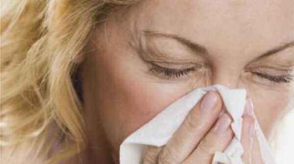 woman-sneezing2