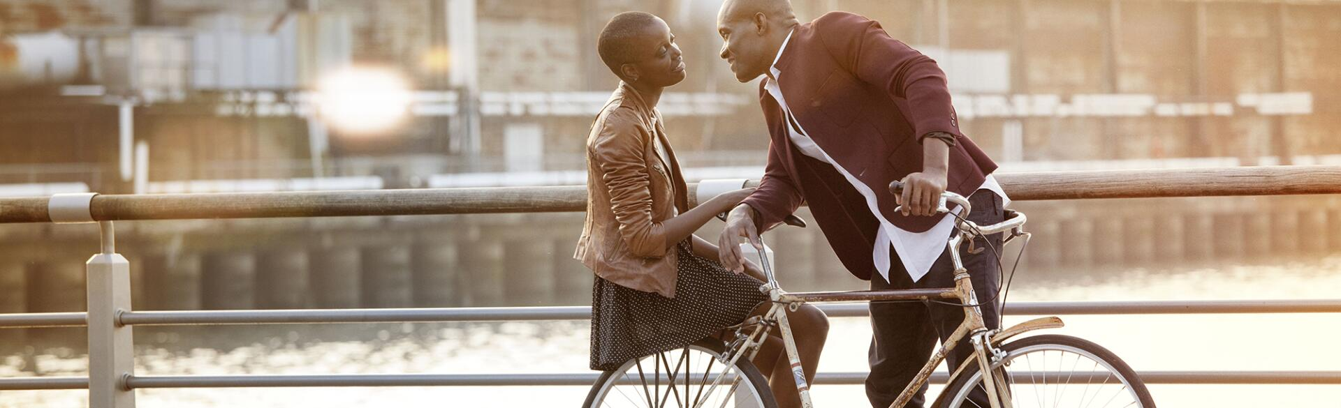 Date_with_Less_stress_Couple_on_bike_offset_82260_1540.jpg