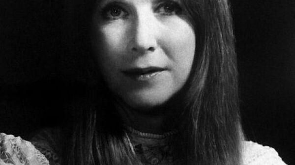 Julie_Harris_1973