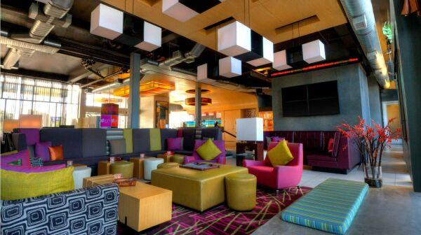Lobby del hotel Aloft Phoenix Airport
